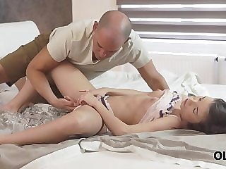 old4k. relaxed young whore let old partner penetrate her