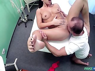 Messy girl-next-door has medical fucking with doc
